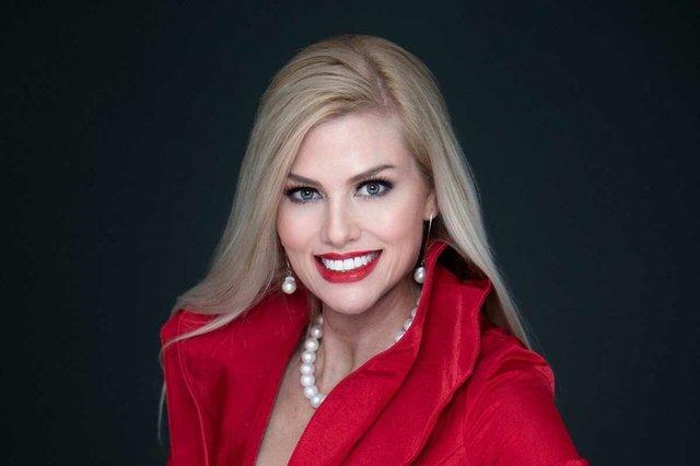 Dr. Magdalena Battles