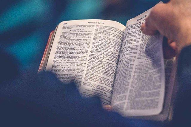 Tips for Living in God's Word